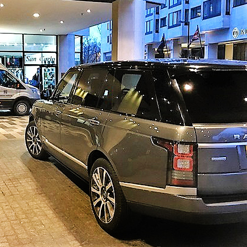 london-chauffeur-chauffeur-driven-range-rover-london